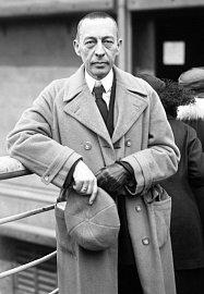 Sergej Rachmaninov. Řekli byste do něj, že je akromegalik?