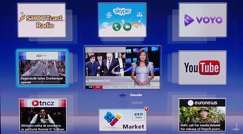 Úvodní obrazovka widgetového internetu nabízí i dvojici českých serverů, uprostřed vidíte aktuální televizní kanál. Vstup do otevřeného webu je ale až na posledním z panelů, volba se však naštěstí dá přesunout dopředu. Stačí ji jen zaměnit za některou z těch, které vidíte.