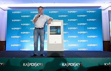 Eugene Kaspersky, šéf ruské antivirové společnosti Kaspersky Lab na setkání s novináři a obchodními partnery, které se konalo v Praze 25. července 2013.