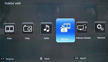 Menu multimédií: Jakmile si v nastavení přepnete na souborový náhled, můžete přehrávat všechny druhy multimédií najednou. Jak vidíte, k dispozici je i knihovna nahrávek. K nahrávání vám stačí klidně i 8 GB flash paměť…
