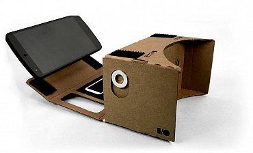 Pokud se vám nechce čekat na Oculus Rift a chcete získat podobný zážitek za pár korun, objednejte si papírové pouzdro na svůj mobil. Stojí pár korun a už pro něj vzniká hromada 3D aplikací.