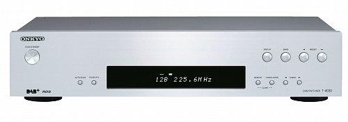 Tuner Onkyo T-4030 je určen pro potencionálního majitele, který od něho nechce pouze poslech, ale především kvalitní zvuk a také možnost připojení externí antény.