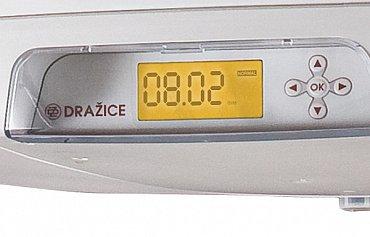 Ovládání, resp. nastavování jednotlivých režimů, se dělá přes šipkové klávesy a OK ve spodní části ohřívače vody.