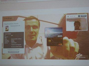 Demonstrativní nákup telefonu prostřednictvím video call centra T-Mobile.