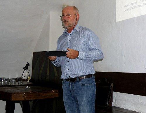Jiří Balvín při představení služby TV4You a stejnojmenného spolku