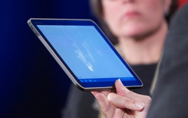 Motorola Xoom 2 se firmě Apple taky zdá nápadně podobná iPadu.