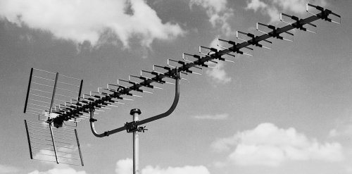 Pro příjem je nutná mimo jiné kvalitní anténa. Řada STA ale není pro signál multiplexu 4 připravena.