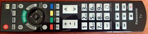 Podsvícený dálkový ovladač představuje solidní práci, výborné rozložení a dobře čitelná tlačítka. Panasonic tuto kvalitu nabízí už dlouhá léta a neexperimentuje (naštěstí) ani v letošní kolekci.