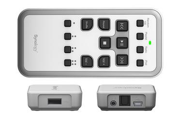 Souprava Synology Remote se skládá ze zvukového zařízení Audio Dock a RF ovladače.