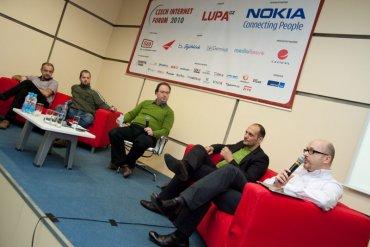 Panelisté: Ondřej Sommer (Economia), Petr Bednář (Mladá fronta), Ivan Hamšík (Ringier), Daniel Dočekal (Tiscali Media, a. s.) Moderátor: Patrick Zandl
