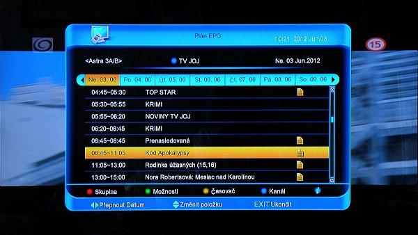 Podrobný elektronický programový průvodce zobrazuje celodenní programy příslušného kanálu.