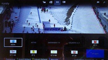 Seznam naladěných kanálů vyvoláte speciálním tlačítkem a objeví se buď takovýto náhled, nebo náhled na celou obrazovku.