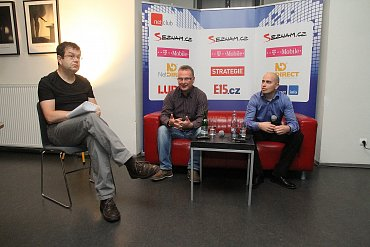 Zleva: Petr Koubský, Jan Svoboda (NetDirect), Václav Liška (Aukro.cz).
