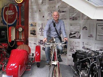 Spolumajitel a předseda společnosti T.S.Bohemia v muzeu historických automobilů Veteran Arena.