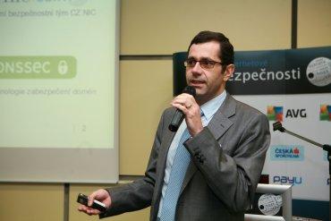 Martin Peterka, provozní ředitel, CZ.NIC