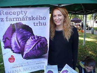 Recepty z farmářského trhu představovala Hanka Michopulu i v Karlíně
