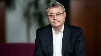 Vladimír Dlouhý si zřizuje tým externích poradců, budou v něm sedět lidé z NERVu.