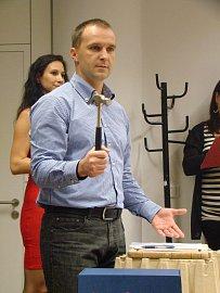 Robert Chrištov vede charitativní mdražbu