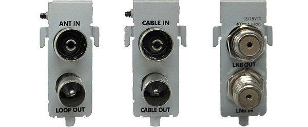Zleva DVB-T/T2 tuner, DVB-C tuner a DVB-S2 tuner (pohled z pozice portů).