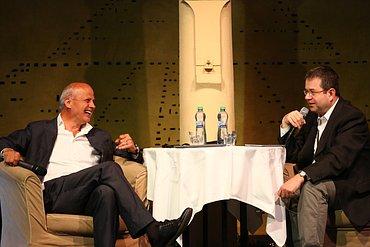 Michal Horáček (vlevo) zpovídaný Petrem Koubským.