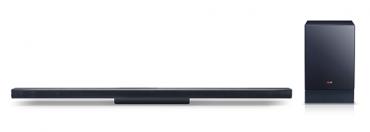 Aktuální řada zvukových lišt LG se jmenuje NB2540, NB3540, NB4540 a NB5540 a postupně přichází i na náš trh. Stávající NB4530A na snímku (2.1, 310 W, Bluetooth, možnost připojení externího disku), se právě doprodává za 6.990 Kč.