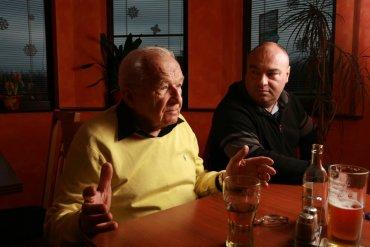 Mike Klíma s majitelem SteakGrillu Jardou Honzajkem