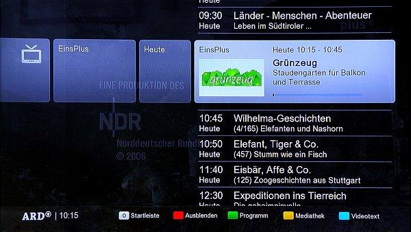 Právě vysílané a budoucí pořady v HbbTV zobrazíte v rozšířené podobě i s popisem pořadu. Je to taková o něco lepší podoba klasického EPG.