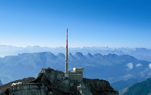 Vysílač Säntis vyrostl v extrémní výšce 2.500 m.n.m.