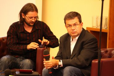Adam Javůrek, glosátor a Petr Koubský, moderátor