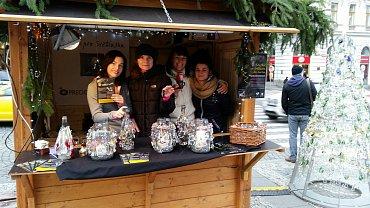 Prodej křišťálových vánočních ozdob pro Světlušku