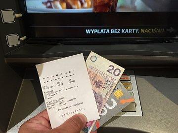Výběr z bankomatu v Polsku byl úspěšný přestože, bych správně vybrat hotovost neměl.