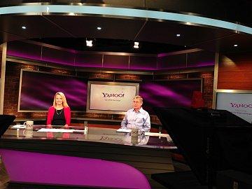 Marissa Mayer před videohovorem ke čtvrtletním finančním výsledkům (červenec 2013)