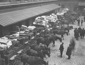 Dvorana poštovního a telegrafního úřadu Praha 1, 1928.