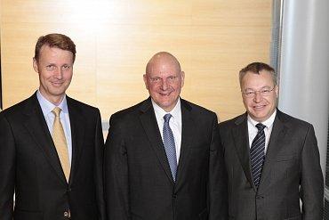 Risto Siilasmaa, Steve Ballmer aStephen Elop na dnešní tiskové konferenci vHelsinkách