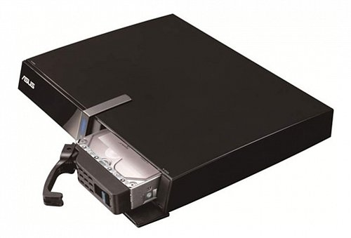 K montáži disku dostanete vše potřebné, včetně šuplíku a šroubků. Disk může mít až 3 TB.