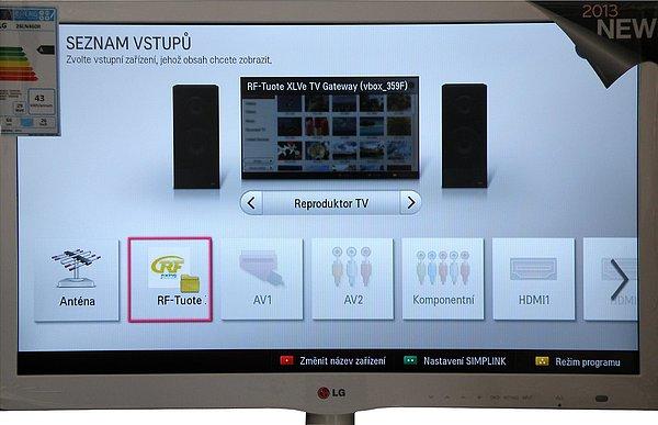 Výběr satelitní jednotky z menu na Smart televizoru