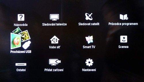 Z menu na tlačítku s domečkem (Home) uděláte prakticky všechny operace. Výjimkou je bohužel seznam nahraných pořadů. Ten tu opravdu nenajdete, resp. najdete ale přes volbu EPG a jen tehdy, když ho navíc berete z internetu a nikoli přes síť DVB-T.
