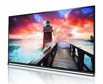 Návrh televizoru je elegantní, materiály jsou kvalitní a na úrovni je i zpracování.
