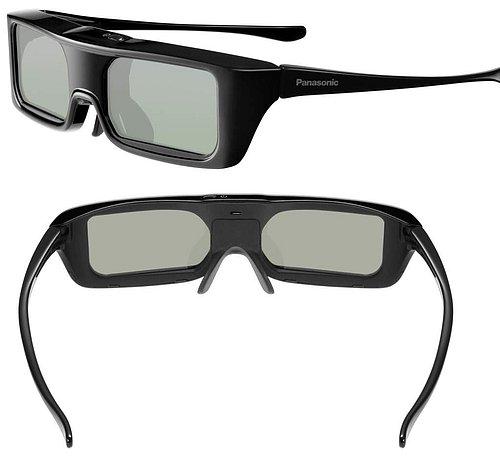 Aktivní 3D brýle výborně padnou a i když nemají nijak široké postranice mají výraznější obrubu LCD panýlků. Jste tak alespoň částečně chráněni proti výraznému bočnímu světlu. A to nemá rádo žádné 3D…