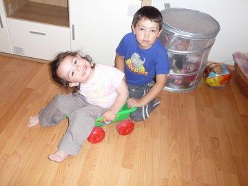 Hádající děti