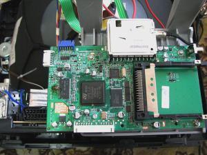 Sencor STV 2112DVBT - vnitřek 2