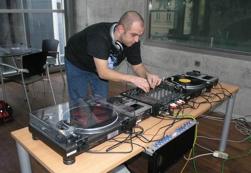 ČRo 4 tiskovka DJ