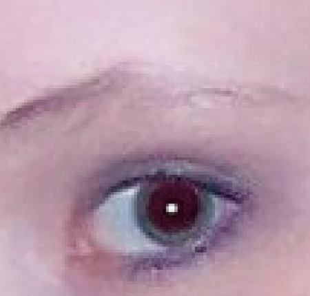 Červené oči 4