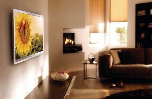 Philips Econova 42PFL6805H na stěně