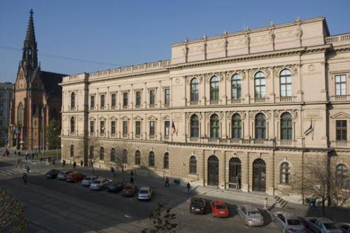 Ústavní soud - http://www.concourt.cz
