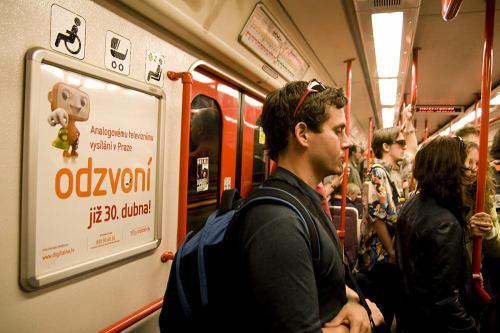 Digiboy v metru 1