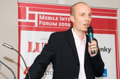 �t�p�n T�ma, ��astn�k panelu na t�ma Internet v mobilu