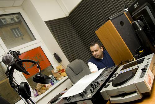 Dance radio studio mixák
