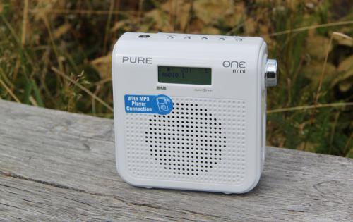 Pure One Mini - analogový příjem Radia 1, Praha