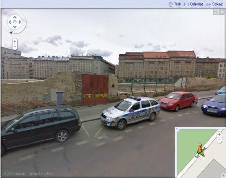 StreetView zajímavosti: Policie parkuje
